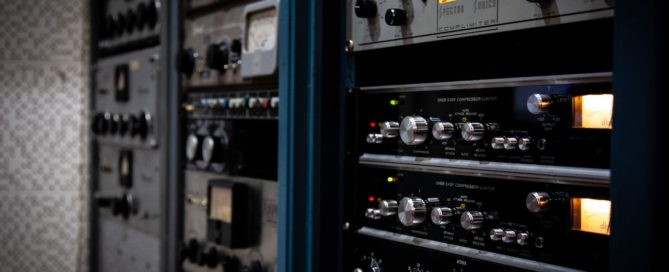Memphis Magnetic Outboard effects rack